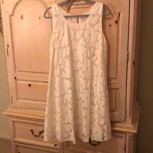 Lace A-line shift dress